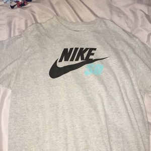 Mike sb t shirt XL